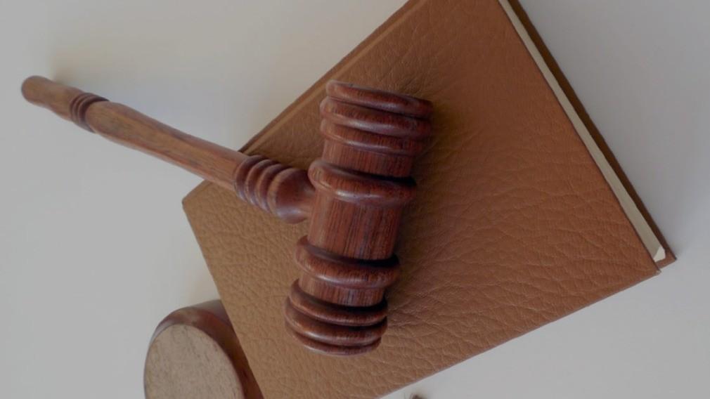 Спор двух УО о праве управлять домами закончился судебной тяжбой
