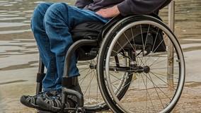 УО по требованию ГЖИ починили в домах подъёмники для инвалидов
