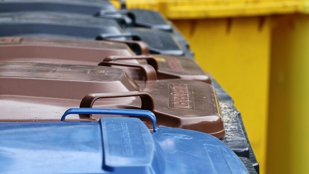 Мусорные контейнеры смогут сообщать о поджогах бака и его наполнении