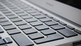 УО имеют право заключать договоры управления МКД в электронном виде