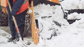 Собственники вправе выбрать на ОСС, как платить за вывоз снега