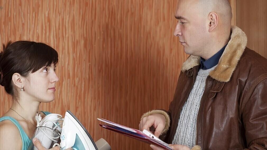 Минстрой предлагает разрешить коллекторам работать с долгами за ЖКУ