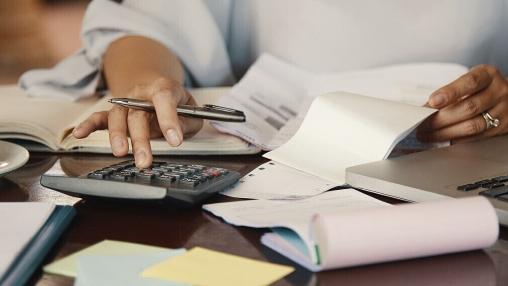 Три условия взыскания УО расходов на участие в суде штатного юриста