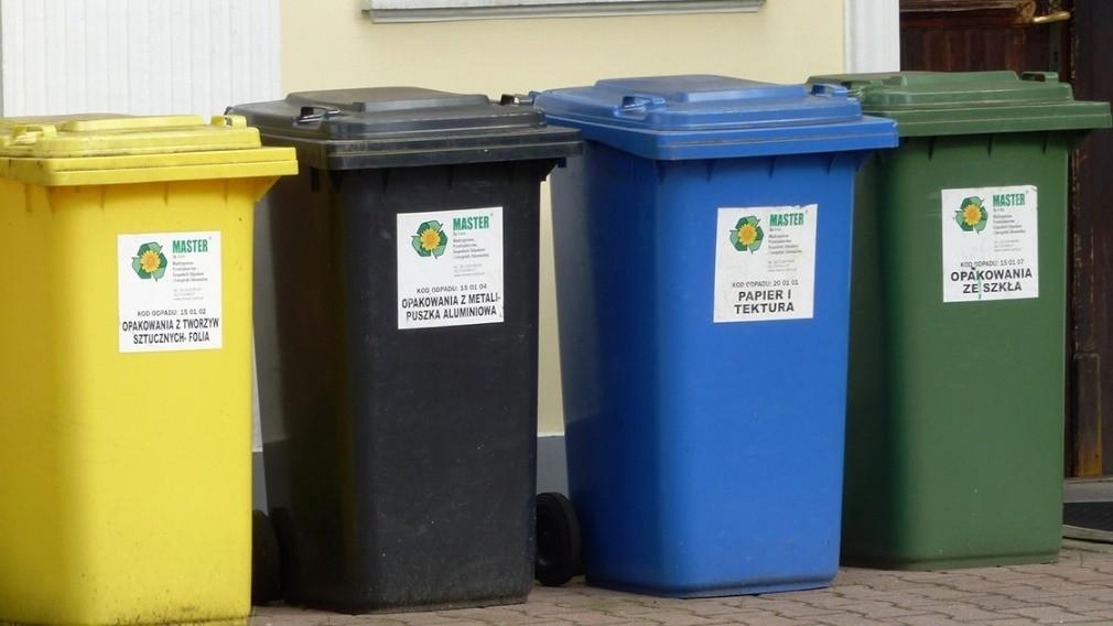 Минстрой РФ предлагает УО помочь жителям домов экономить на мусоре