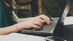 Директора УО осудили за пиратские программы на рабочих компьютерах