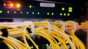 Новый свод правил упрощает для операторов связи доступ в МКД