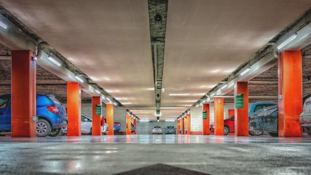 КС РФ разъяснил, как следует рассчитывать плату за паркинг в МКД