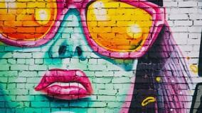В Мурманске УО с помощью граффити защищает стены МКД от вандалов