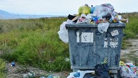 Убирать мусорные площадки при МКД должны управляющие организации