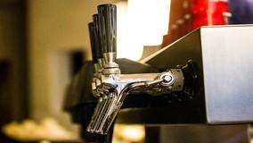 Кафе в МКД будут продавать алкоголь с разрешения ОСС