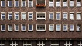 Как УО правильно установить размер платы за содержание апартаментов