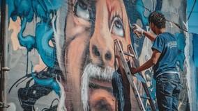 В Петербурге граффити защищают электрошкафы от незаконной рекламы