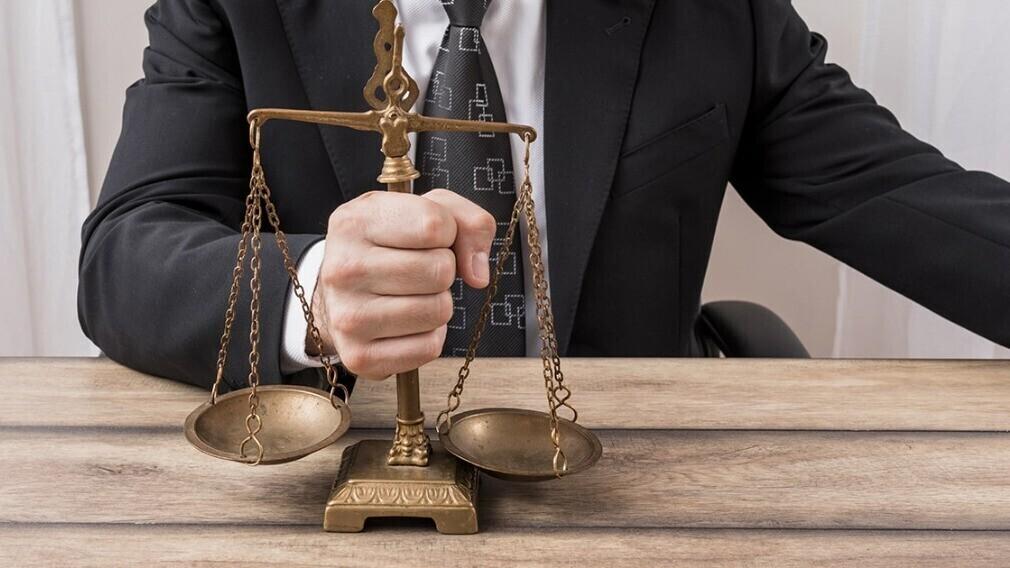 Должна ли УО управлять домом, если договор управления не продлён