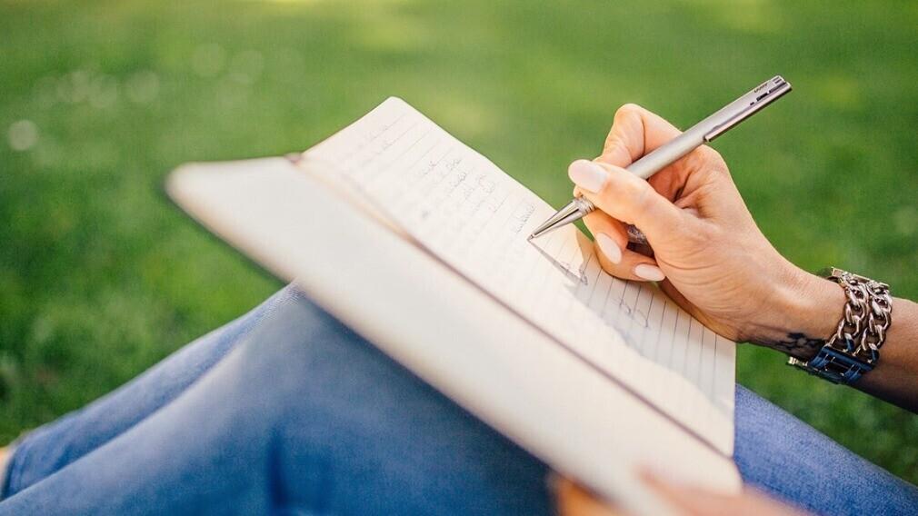 Как стать автором статей на портале РосКвартала в 4 шага