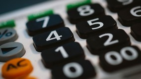 Минстрой РФ напомнил порядок расчёта платы за КР при смене тарифов