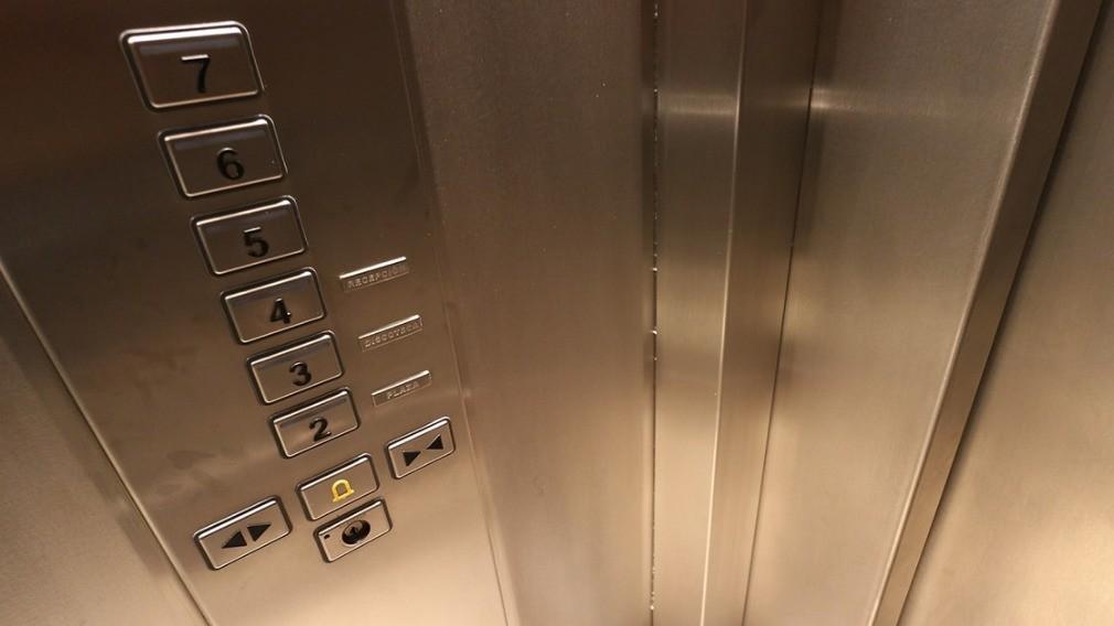 Компания отключила лифты в домах после расторжения договоров с УО