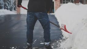 Жители МКД завалили офис УО снегом из-за плохой уборки дворов