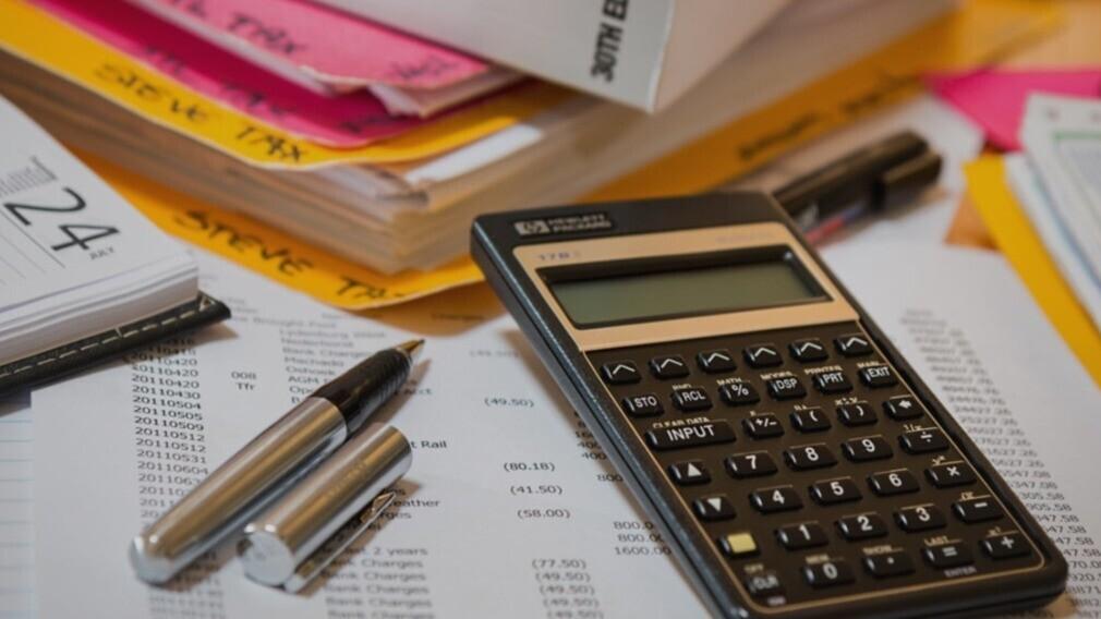 Налоговая Омской области: часть УО неправомерно использует УСН