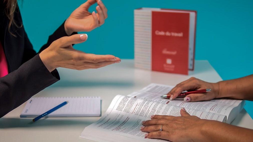 Сотрудник ТСЖ получил штраф за отказ принять на работу женщину
