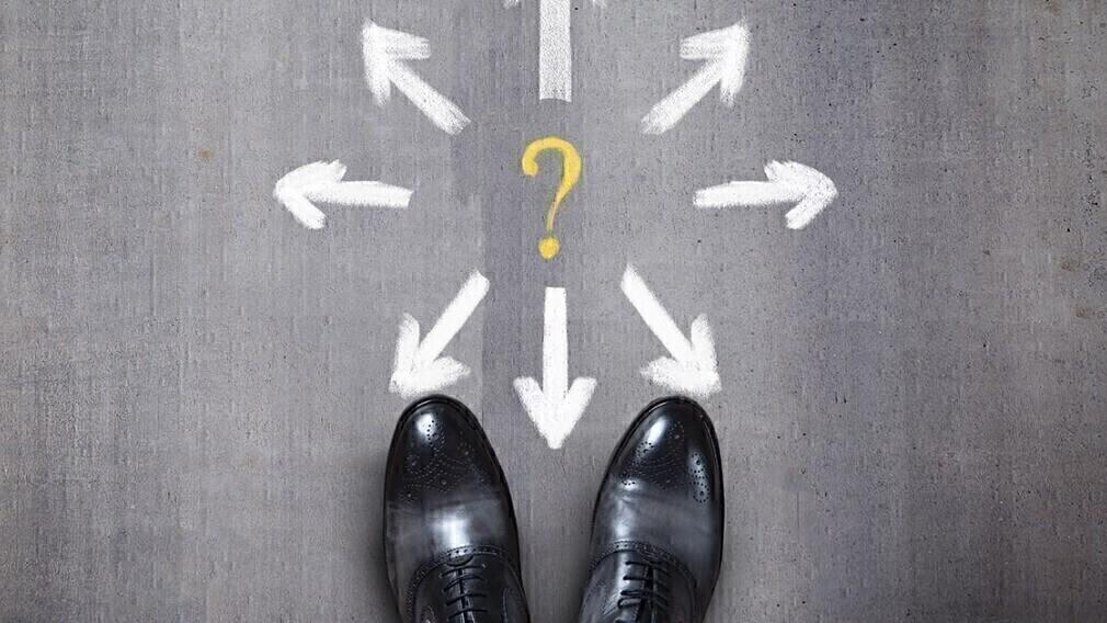 Взыскание дебиторской задолженности в ЖКХ: какой способ выбрать