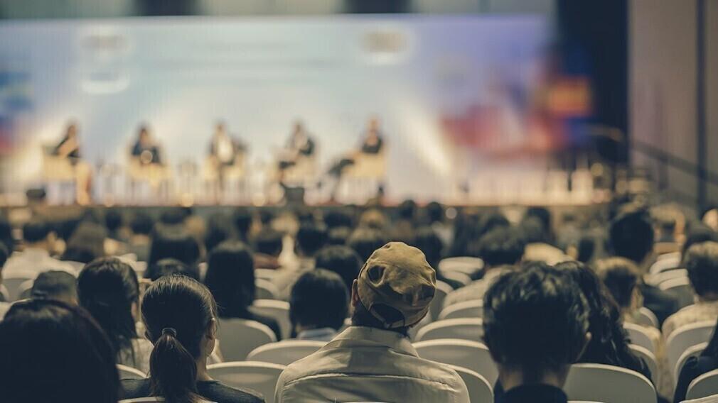 На конференции в Санкт-Петербурге обсуждают вопросы надзора в ЖКХ