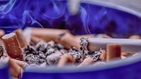 В России выписан первый штраф за курение на балконе МКД