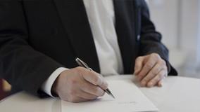 Учредителям лишённых лицензий УК запретят создавать новые компании