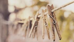 Как очистить фасад дома от бельевых верёвок. Инструкция для УО