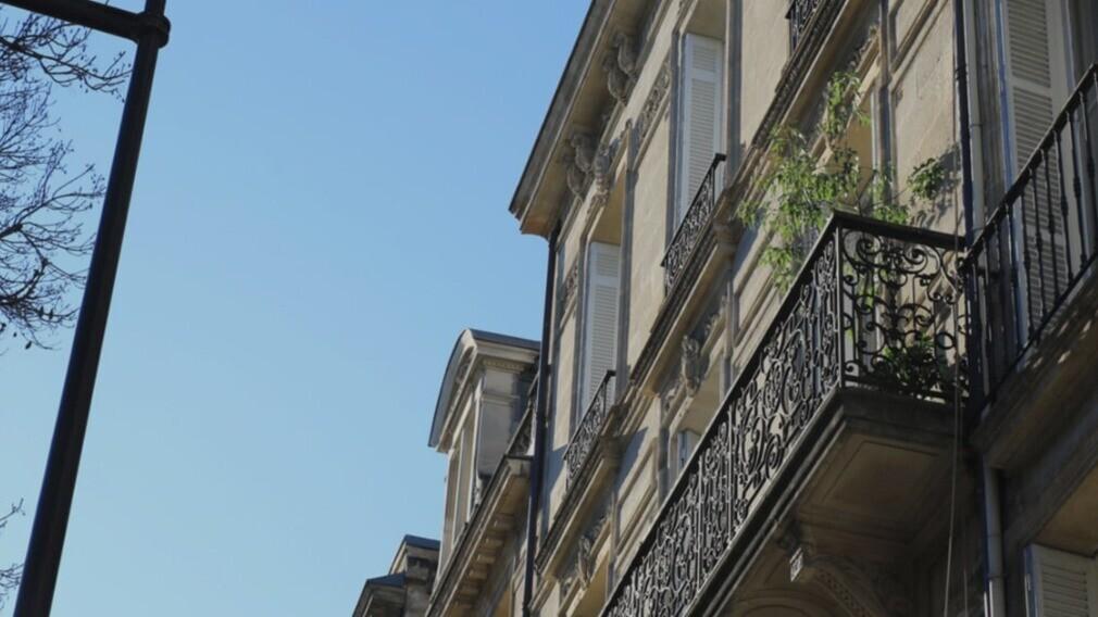 Суд обязал УО и ТСЖ ремонтировать балконные плиты и ограждения