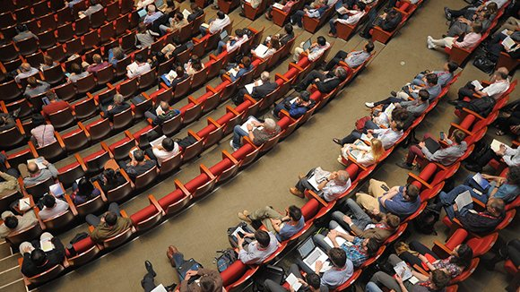 Услуги организации конференций и форумов